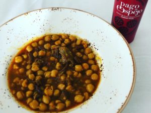 Chickpeas with bull tail and extra virgin